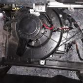замена вентилятора печки Поло седан